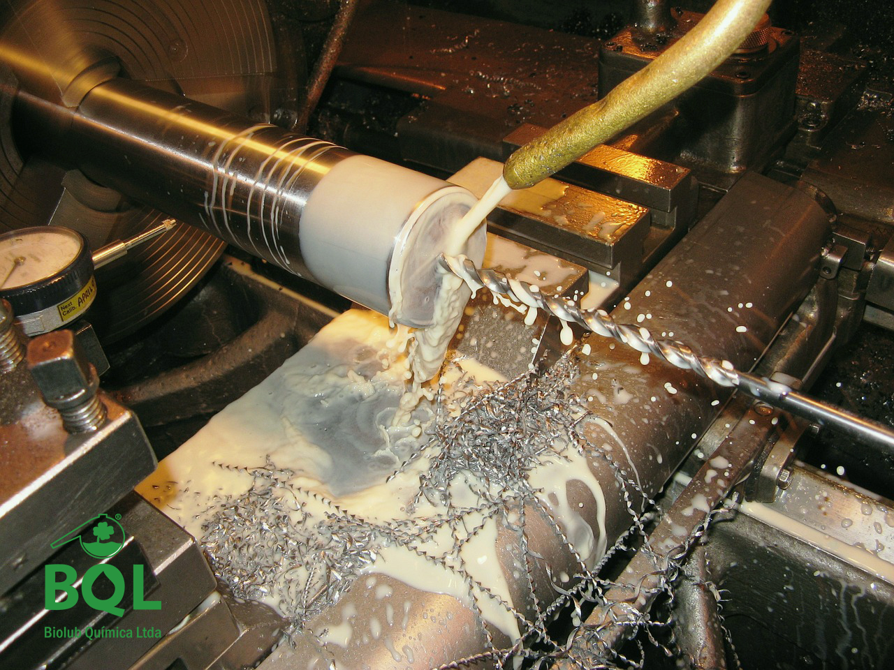 Como escolher o melhor óleo solúvel para usinagem?