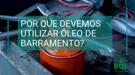 lata de óleo de barramento industrial e chamada em texto